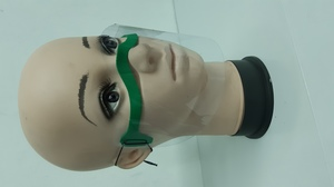 Piankowa przyłbica na nos i usta ciemny zielony